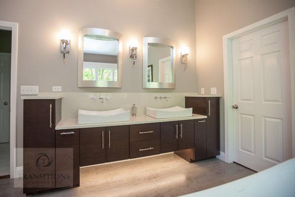 bathroom design with undercabinet lights