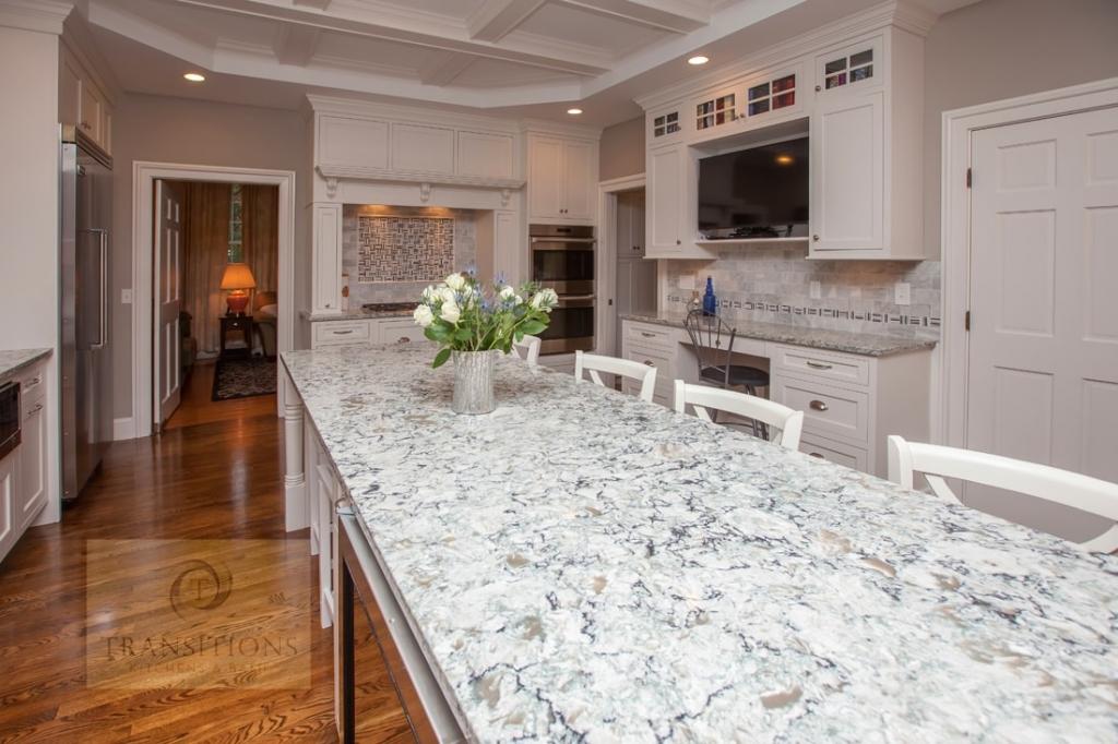 kitchen design with engineered quartz countertop
