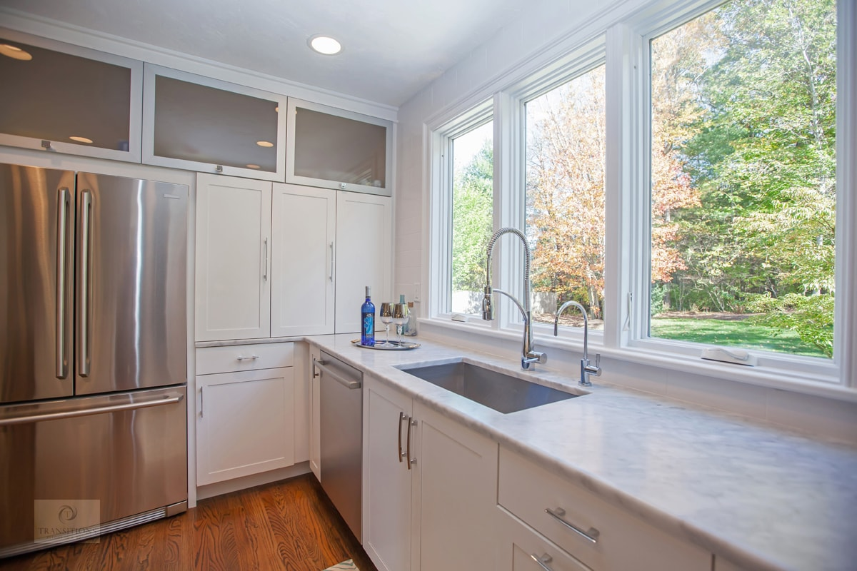 upper glass front kitchen cabinets