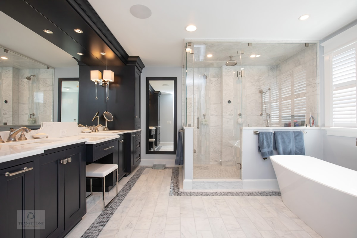 large master bath with corner shower