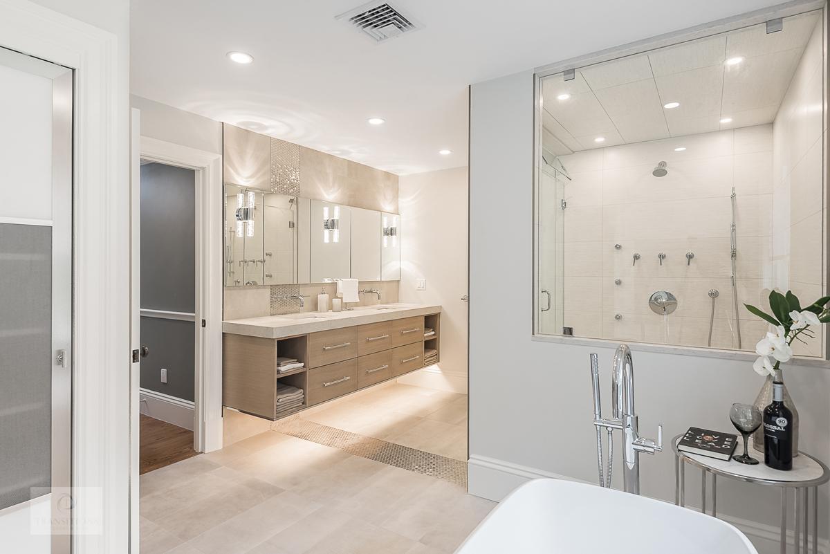bath design with border tile