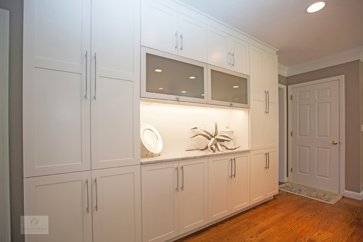 kitchen design with floor to ceiling cabinets